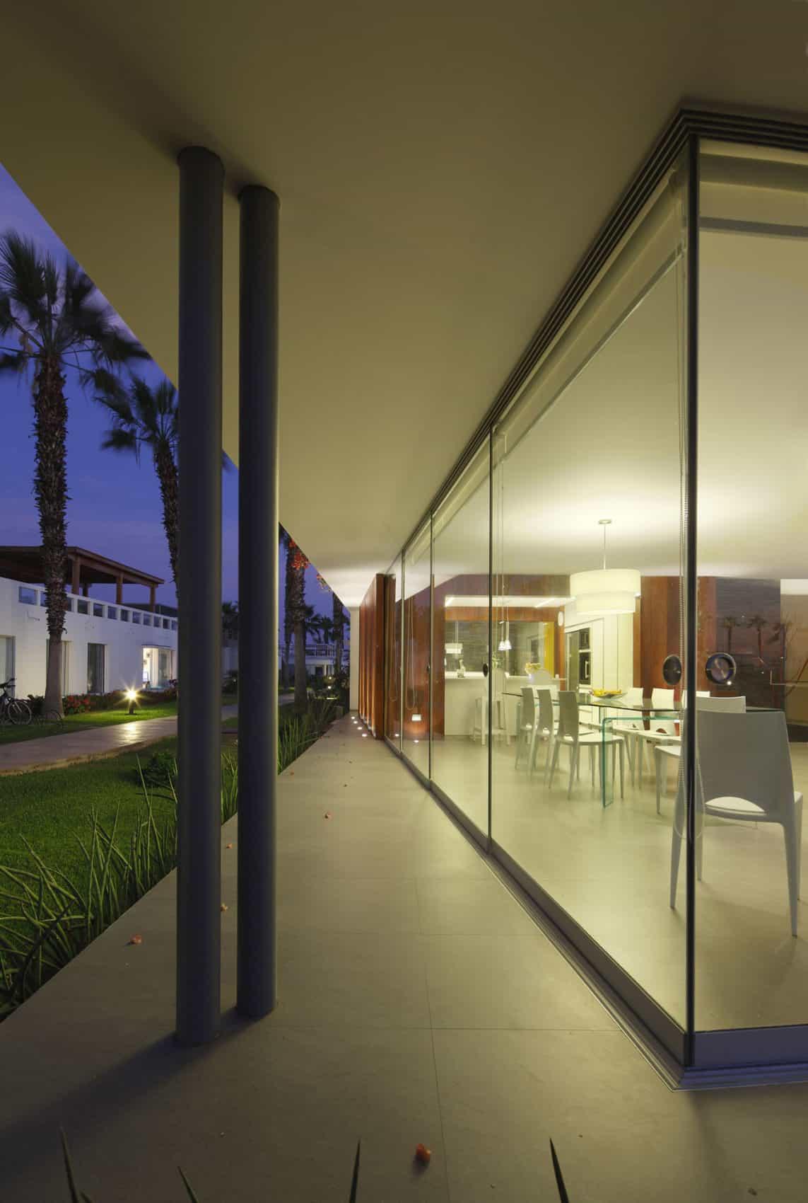 Casa P12 by Martín Dulanto Architect (35)