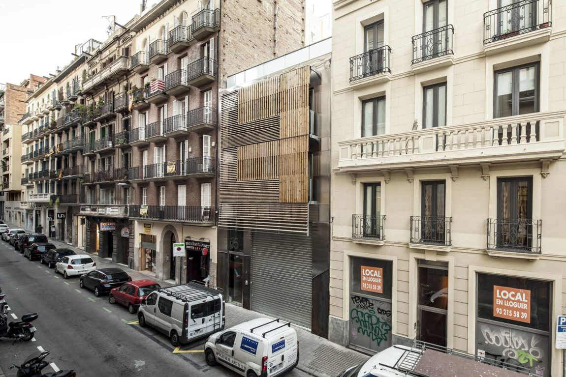 Dwellings in Barcelona by Josep Lluís Mateo (1)