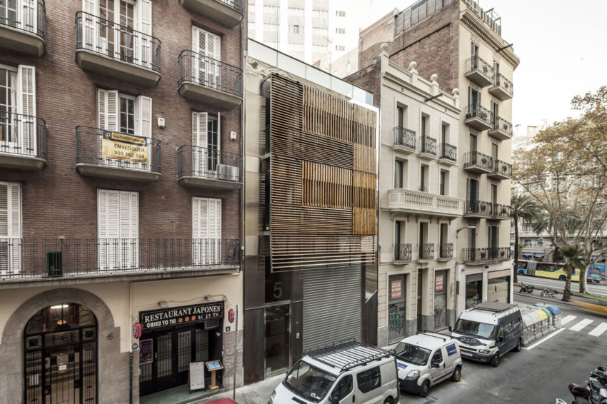 Dwellings in Barcelona by Josep Lluís Mateo (2)