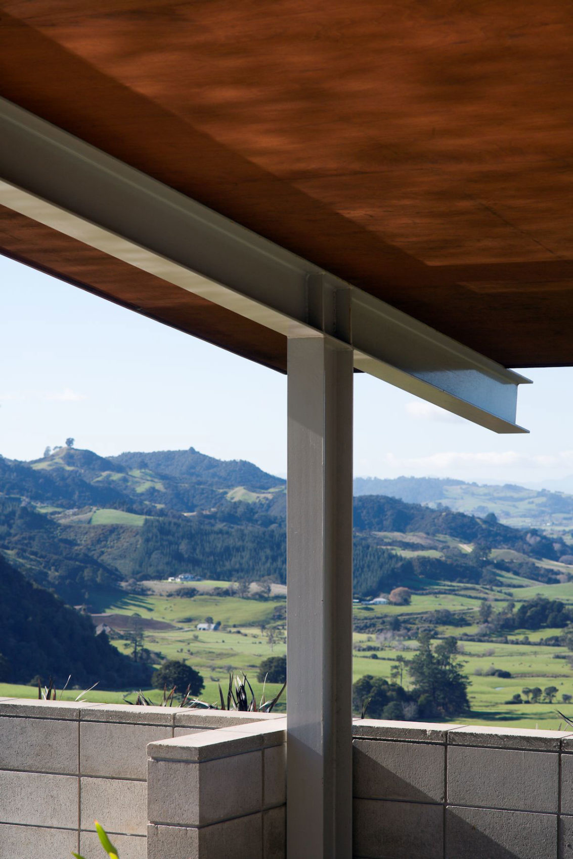 Foothills House by Strachan Group Architects (4)