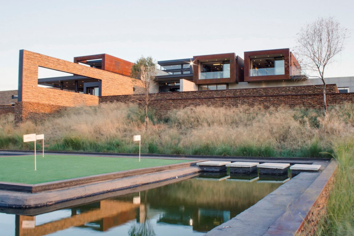 House Boz by Nico van der Meulen Architects (1)