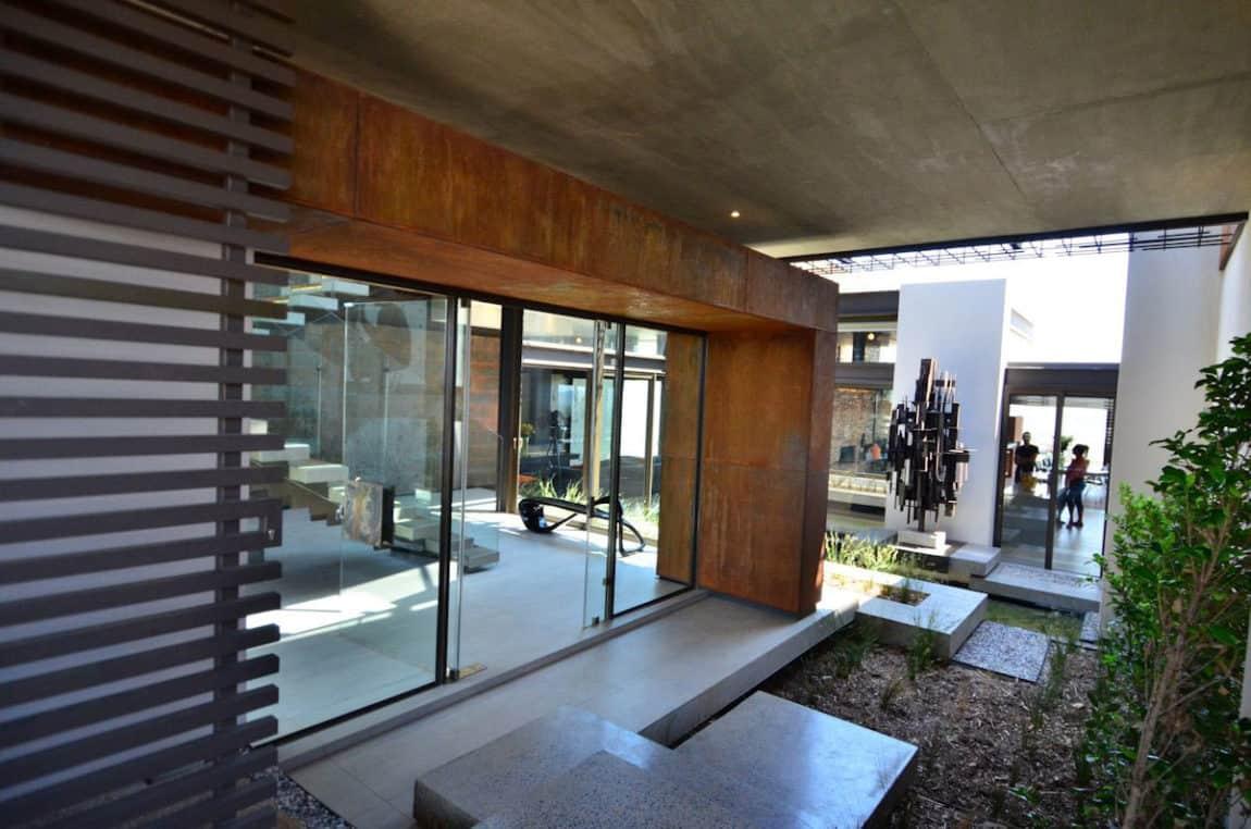 House Boz by Nico van der Meulen Architects (2)