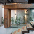 House Boz by Nico van der Meulen Architects (4)