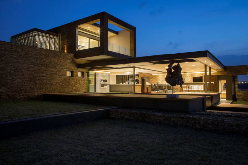 House Boz by Nico van der Meulen Architects (17)
