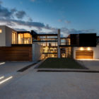 House Boz by Nico van der Meulen Architects (22)