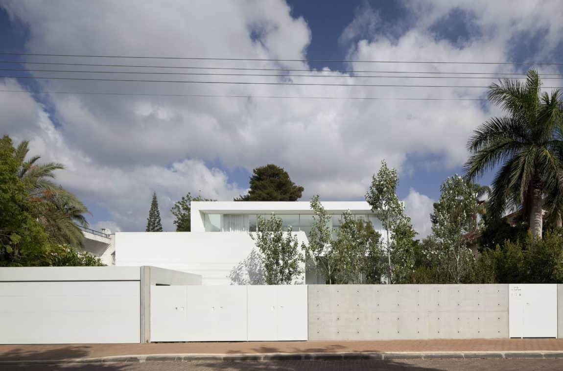 Ramat Hasharon House 13 by Pitsou Kedem Architects (1)