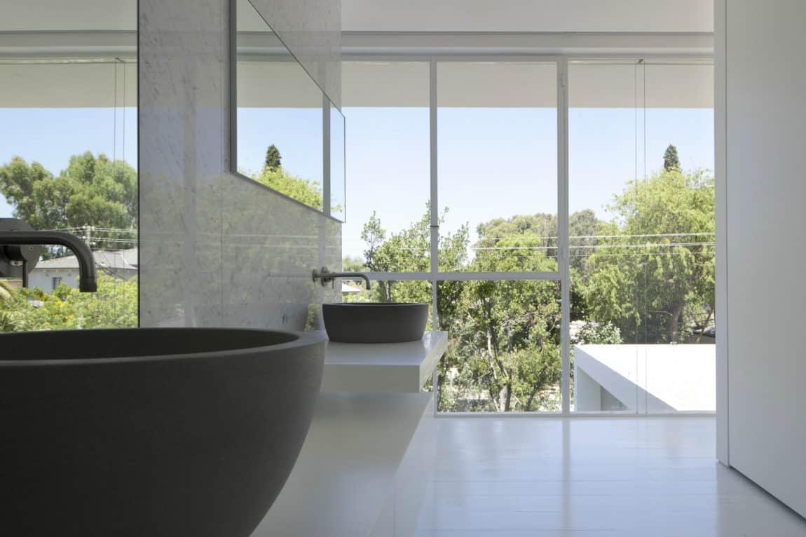 Ramat Hasharon House 13 by Pitsou Kedem Architects (17)