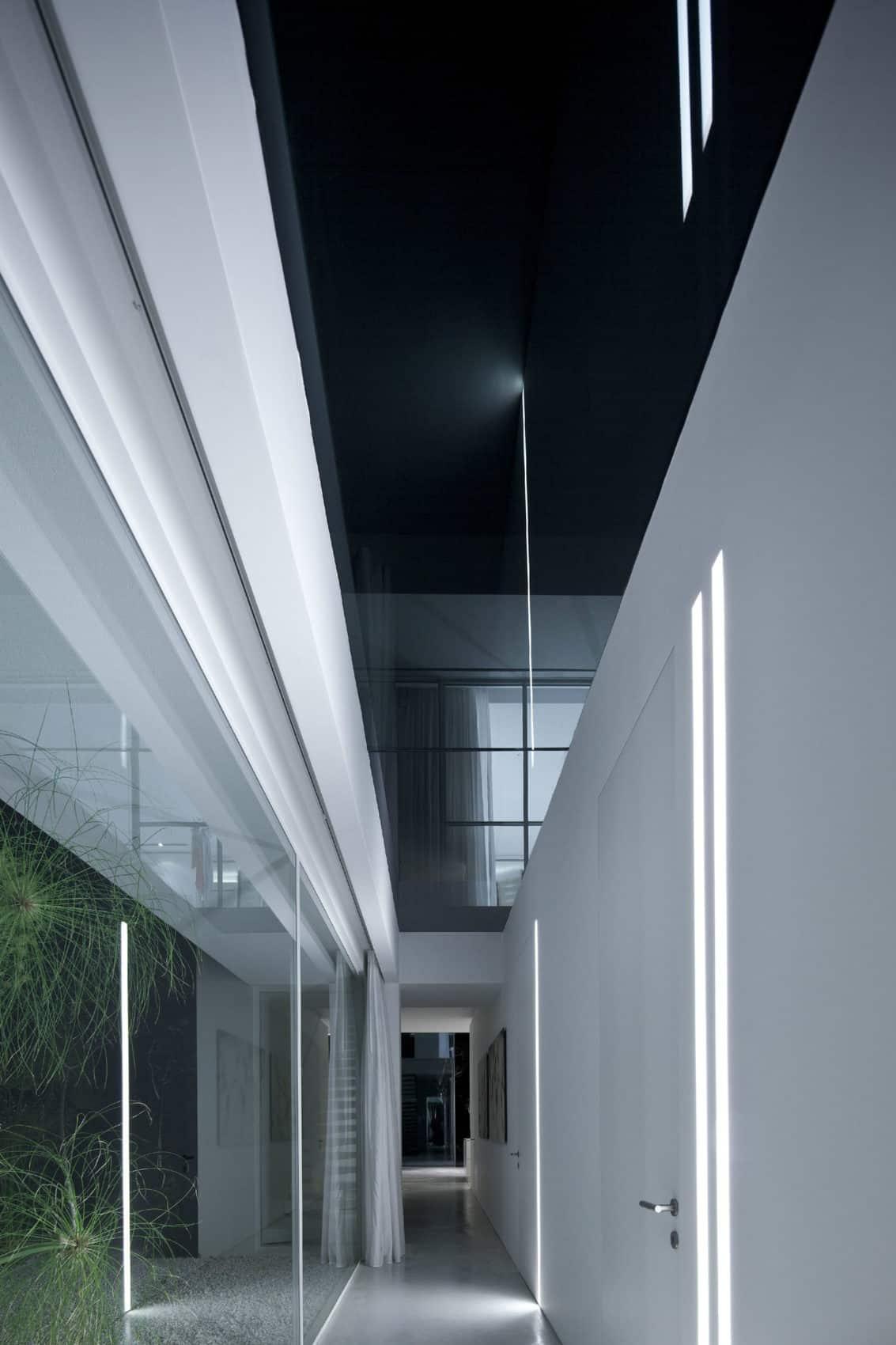 Ramat Hasharon House 13 by Pitsou Kedem Architects (19)