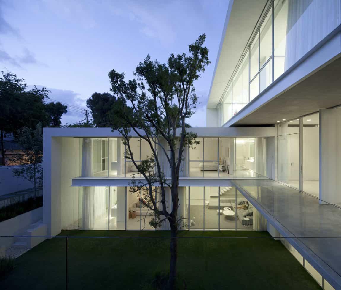 Ramat Hasharon House 13 by Pitsou Kedem Architects (23)