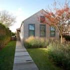Sagaponack Cottage by Axis Mundi Design (1)