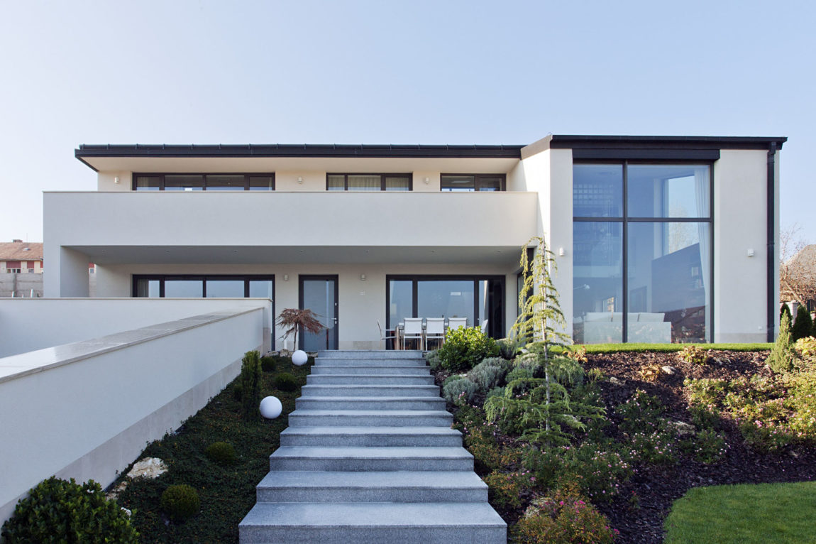 Sommelier's Home by by Architema (2)