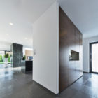 Sommelier's Home by by Architema (14)