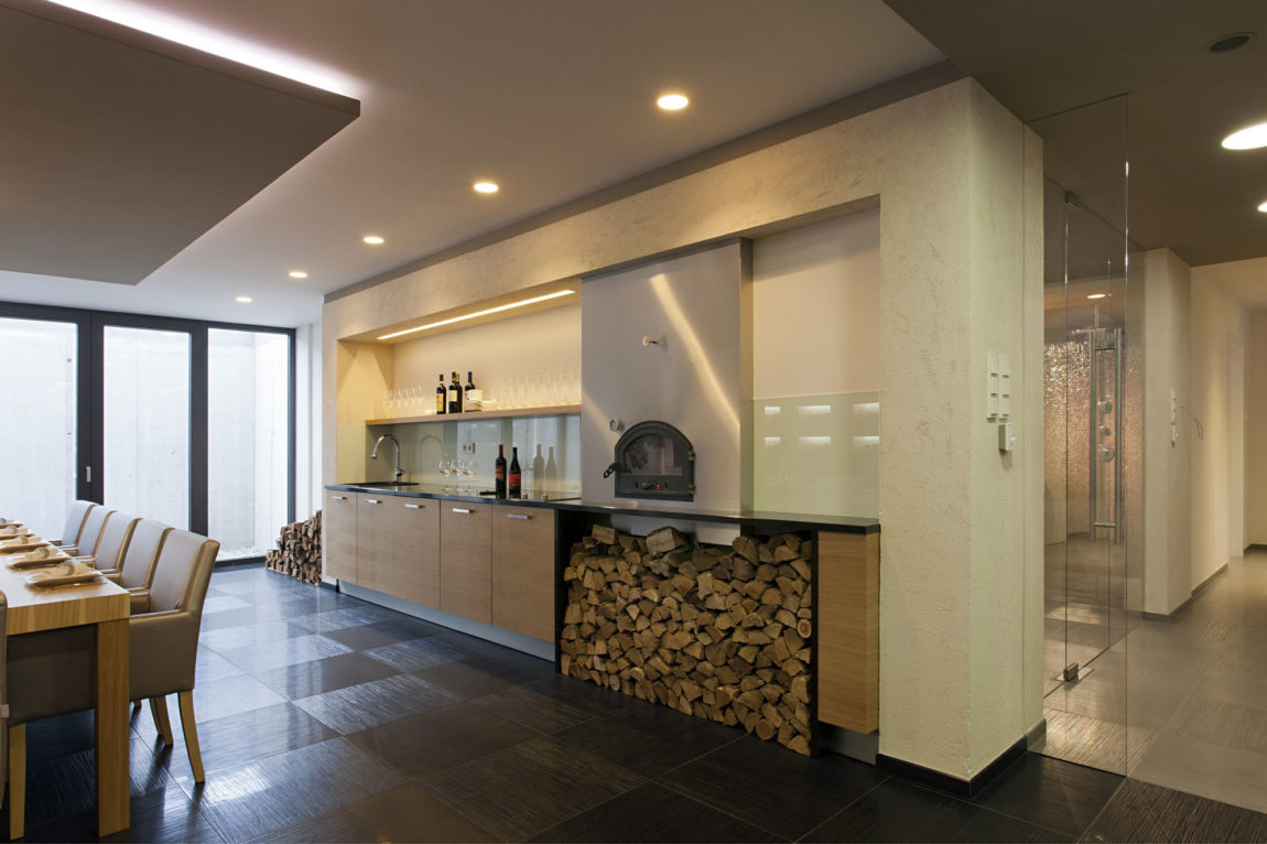 Sommelier's Home by by Architema (38)