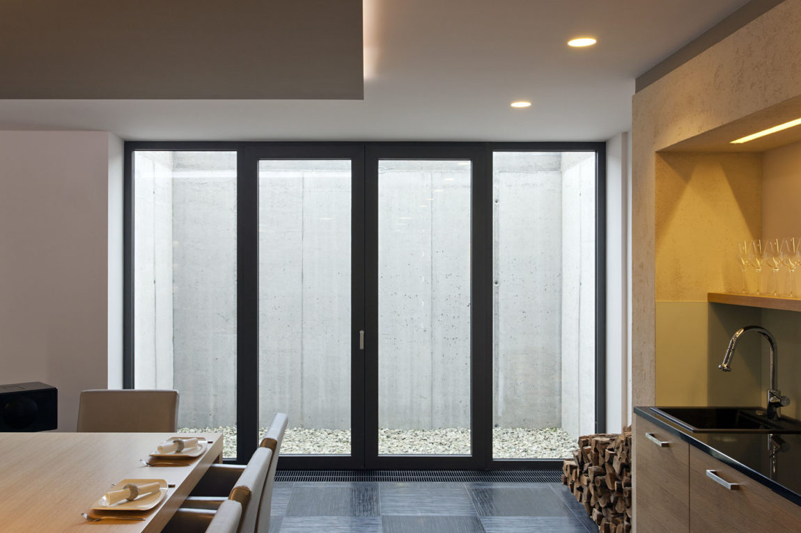 Sommelier's Home by by Architema (40)