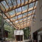 Villa in Hakuba by Naka Architects (3)