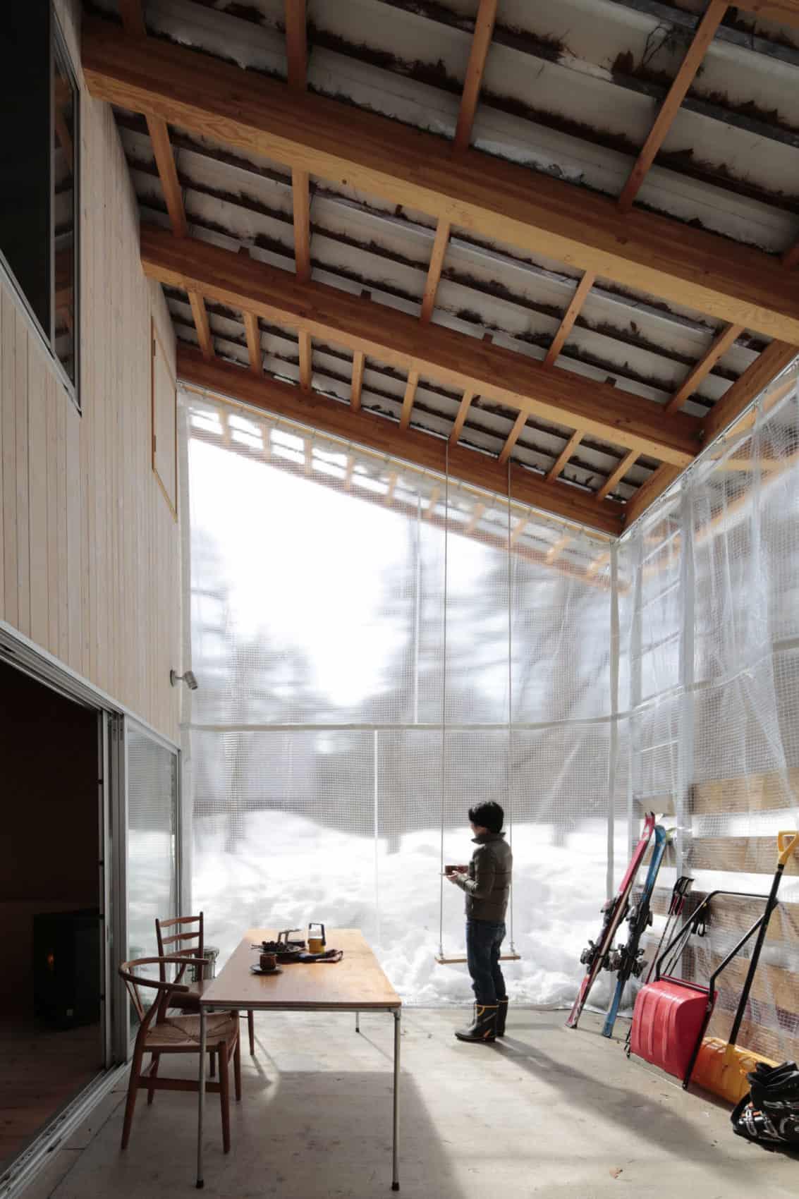 Villa in Hakuba by Naka Architects (4)