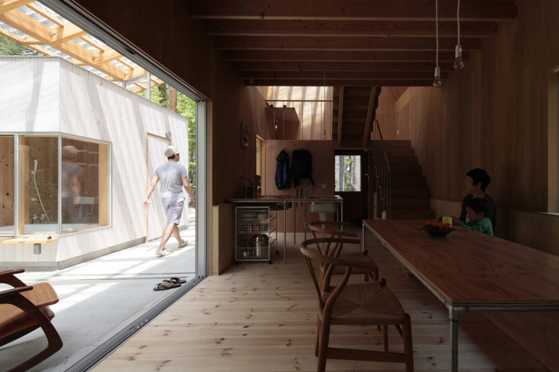 Villa in Hakuba by Naka Architects (10)
