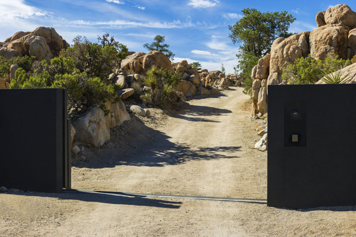 Yucca Valley House 3 by Oller & Pejic Architecture (3)