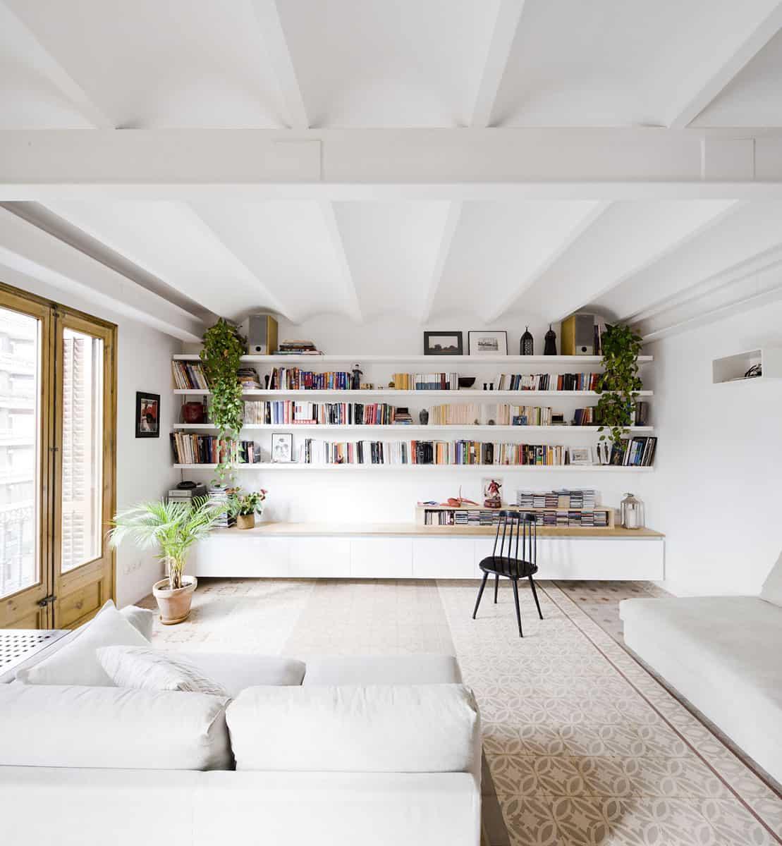 Apartment Refurbishment by Anna & Eugeni Bach (1)