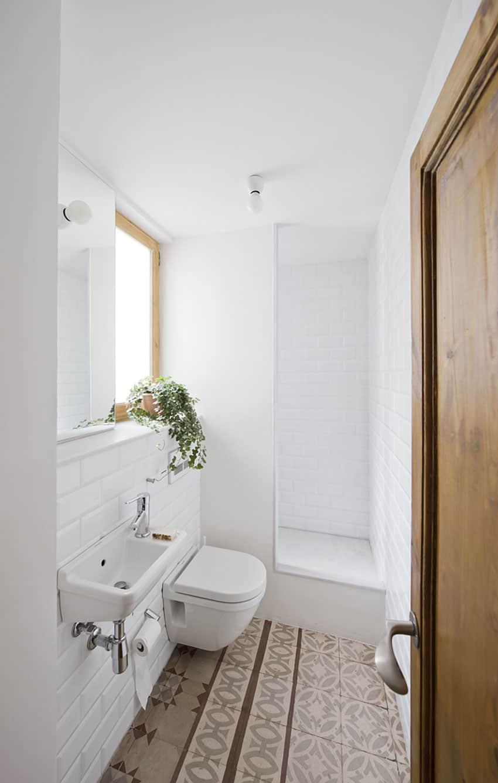 Apartment Refurbishment by Anna & Eugeni Bach (11)