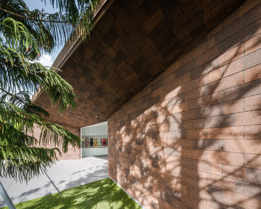 Garage Of The Bears by Openbox Architects (2)