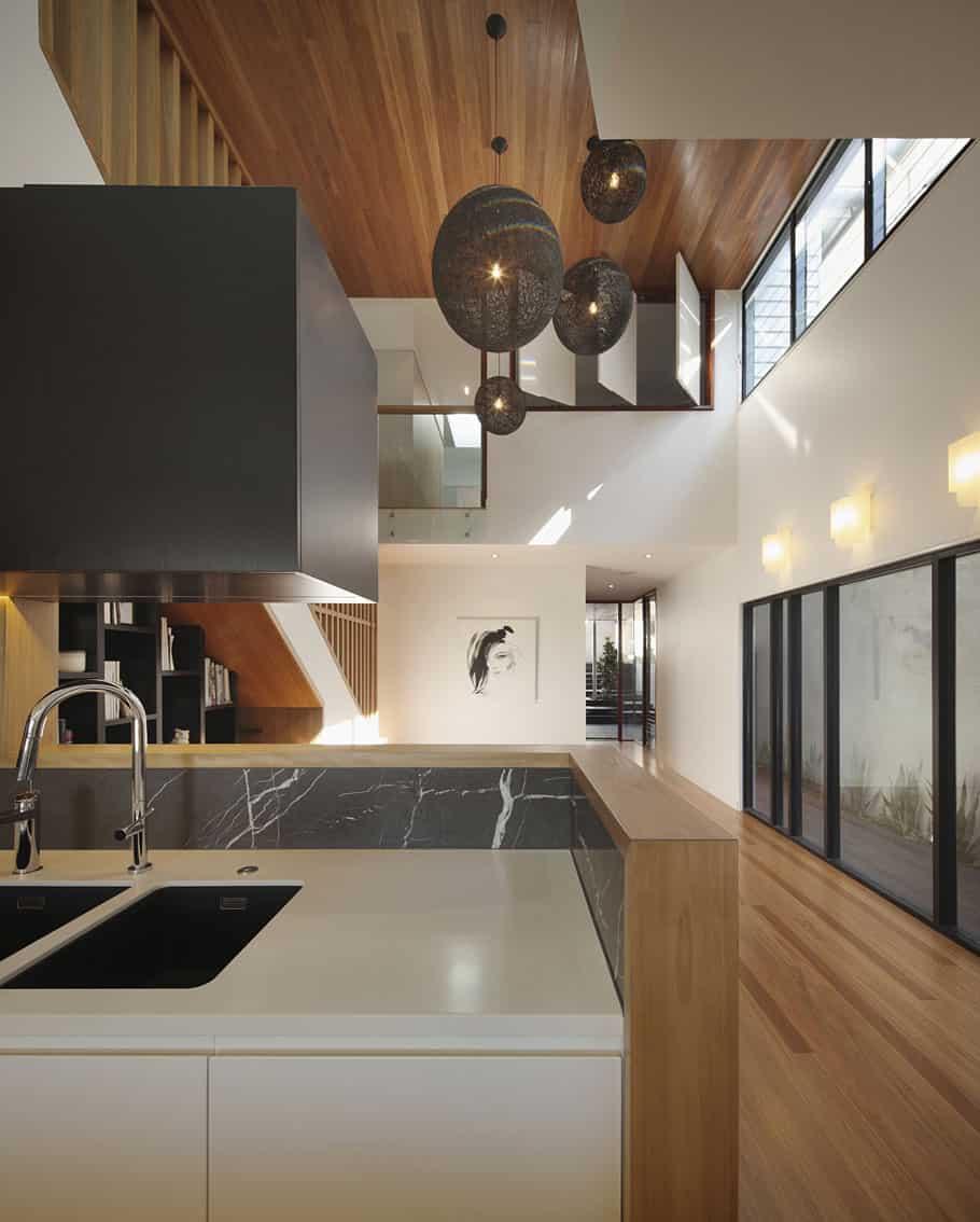 Wilden Street House by Shaun Lockyer Architects (11)