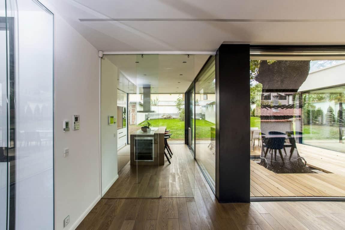2 Oaks House by OBIA (5)