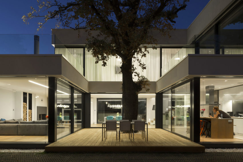 2 Oaks House by OBIA (11)