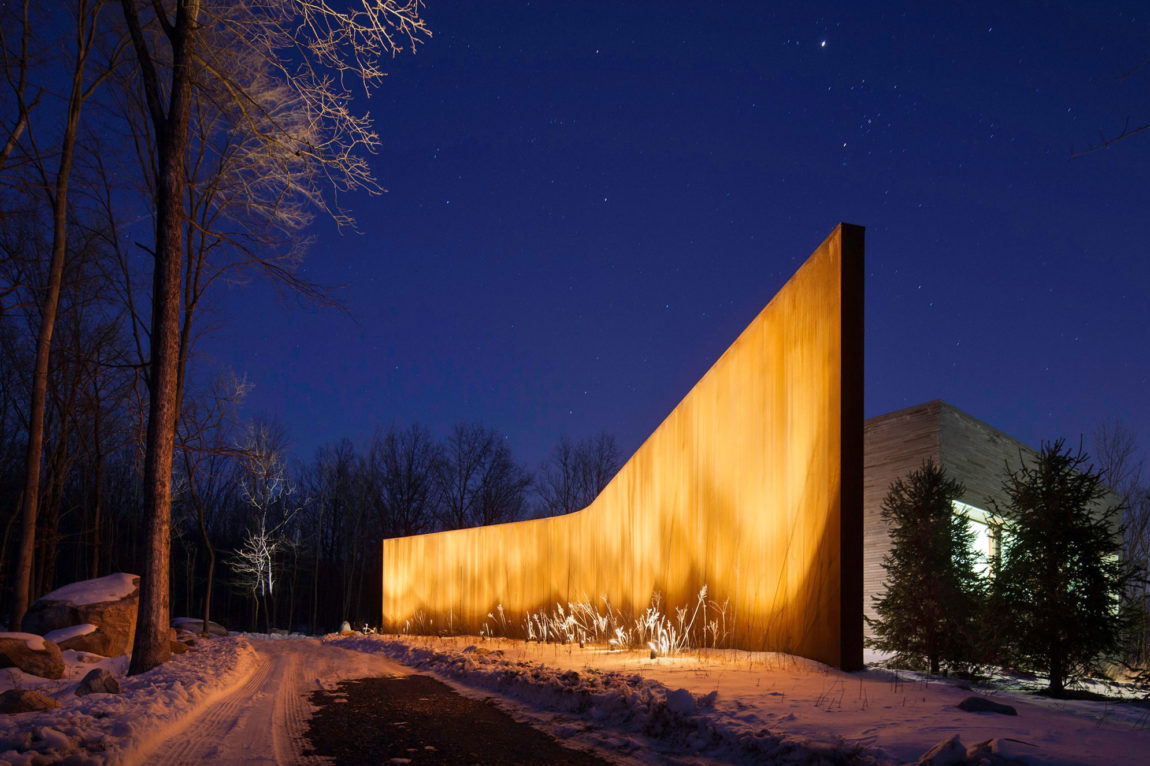 A House In The Woods by William Reue Architecture (11)