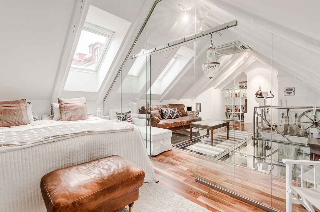 An Elegant Attic on Norrbackagatan (13)