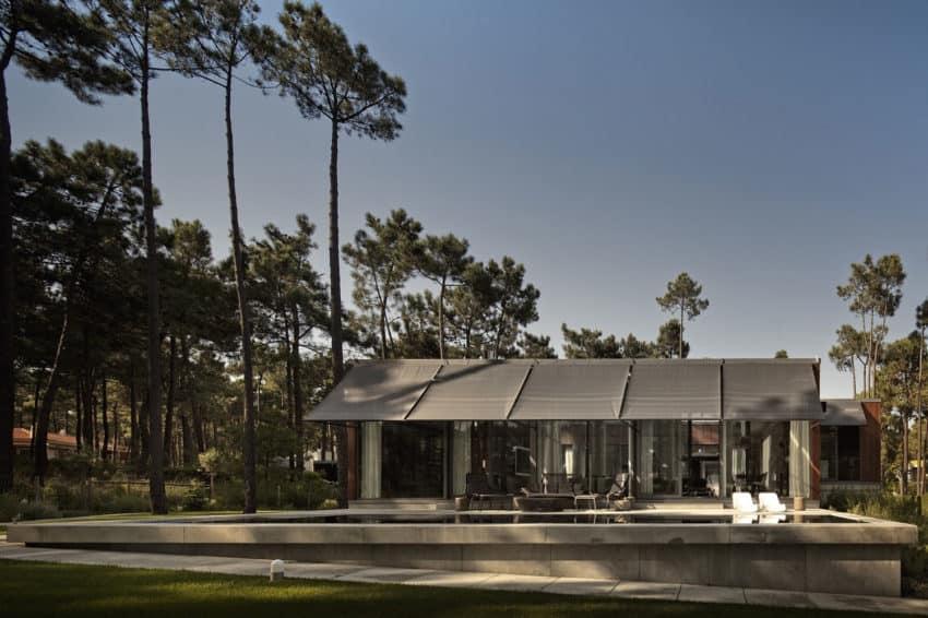 Aroeira III House by ColectivArquitectura (1)