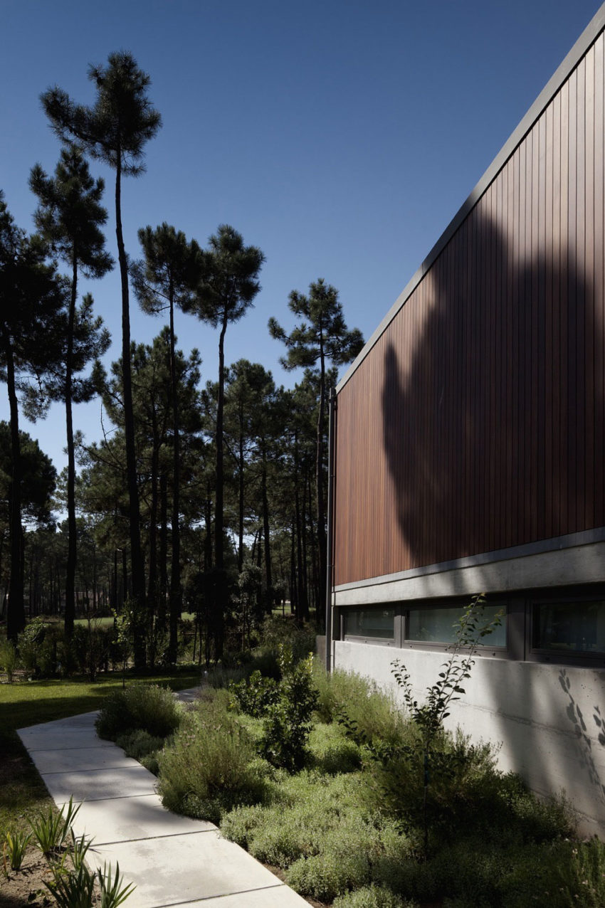 Aroeira III House by ColectivArquitectura (5)