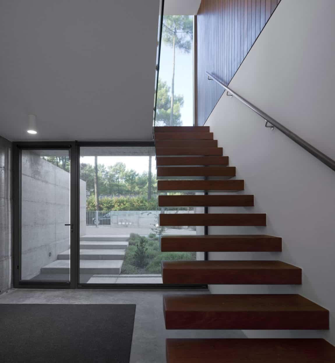 Aroeira III House by ColectivArquitectura (12)