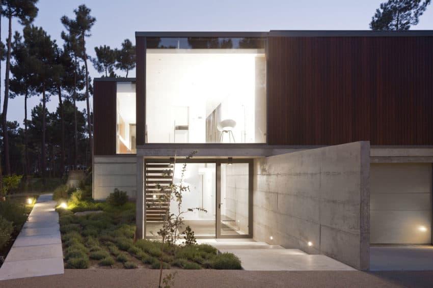 Aroeira III House by ColectivArquitectura (21)