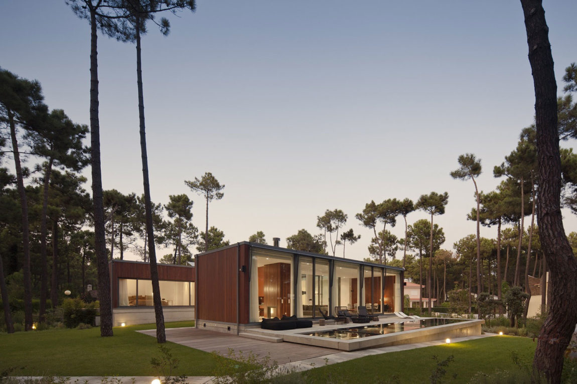 Aroeira III House by ColectivArquitectura (23)