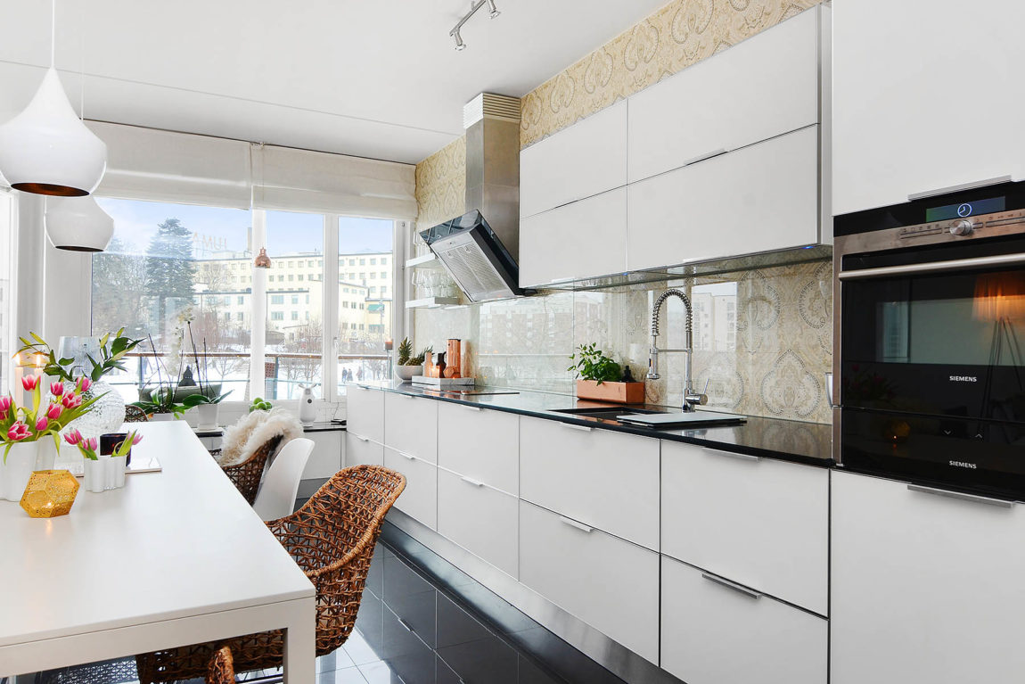 Bright Two Bedroom Apartment in Stockholm (14)