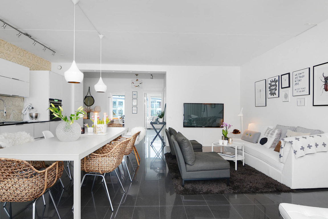 Bright Two Bedroom Apartment in Stockholm (11)