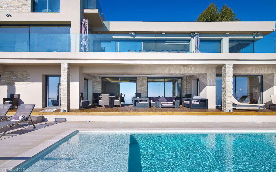 Contemporary Estate in Super Cannes (4)