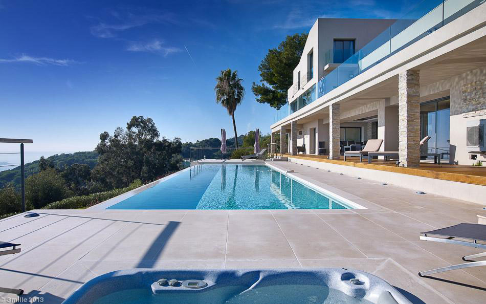 Contemporary Estate in Super Cannes (9)