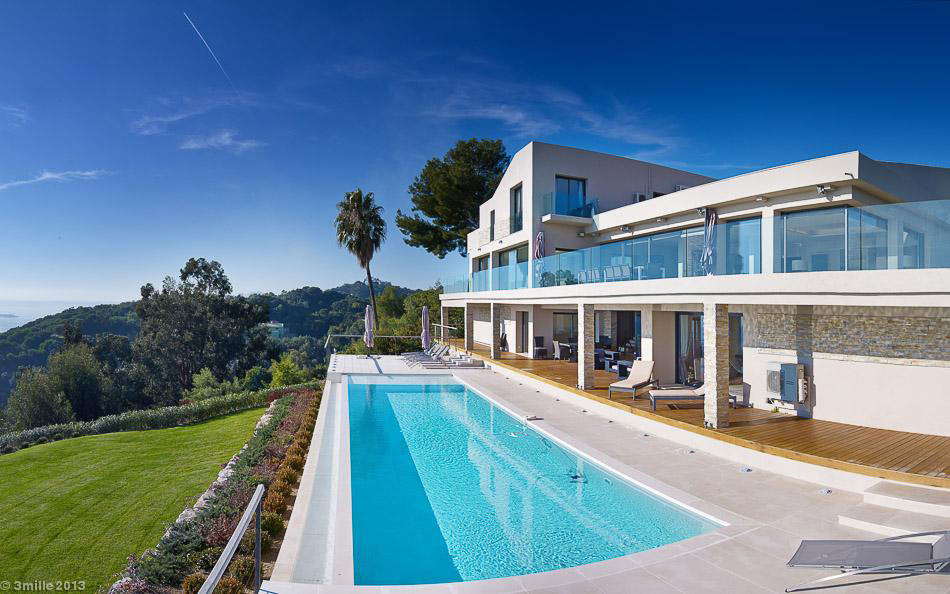 Contemporary Estate in Super Cannes (10)