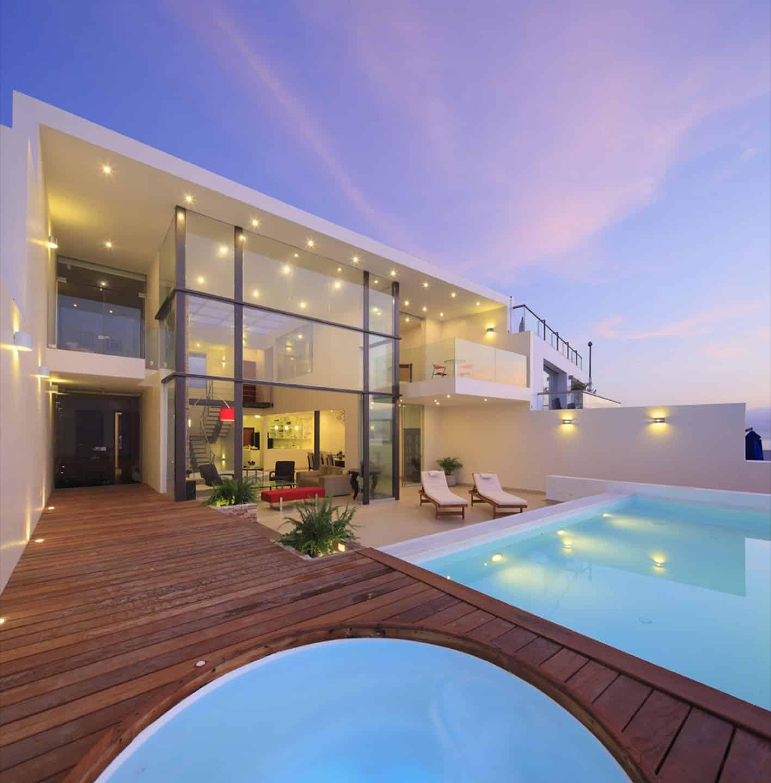 Cristal House by Gómez De La Torre & Guerrero