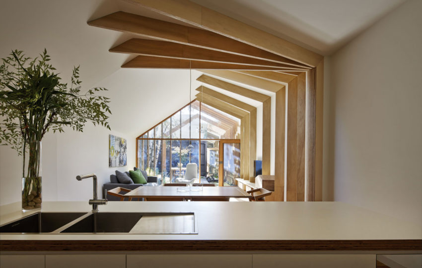 Cross Stitch House by FMD Architects (6)