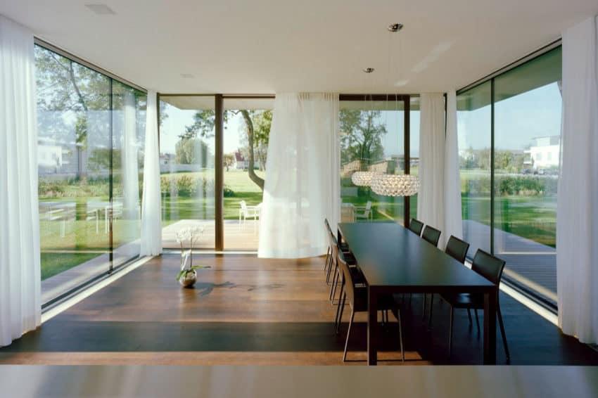 House LK by Dietrich | Untertrifaller Architekten (8)