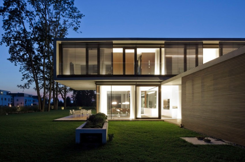 House LK by Dietrich | Untertrifaller Architekten (12)