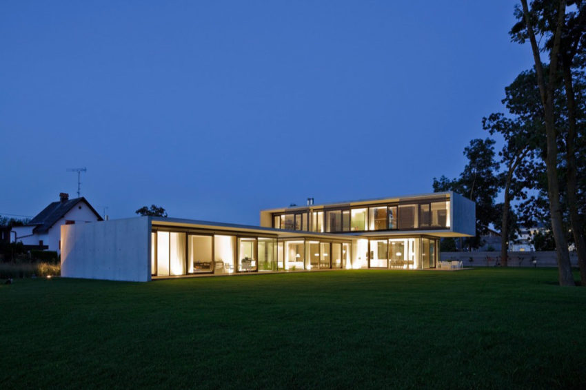 House LK by Dietrich | Untertrifaller Architekten (14)