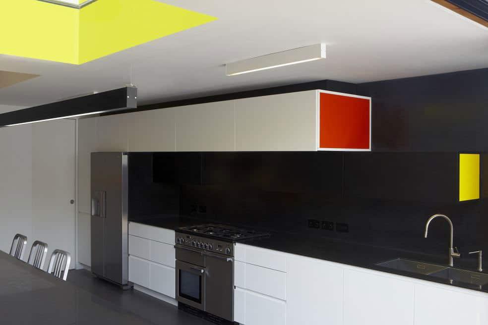 House in Black by draisci studio (6)