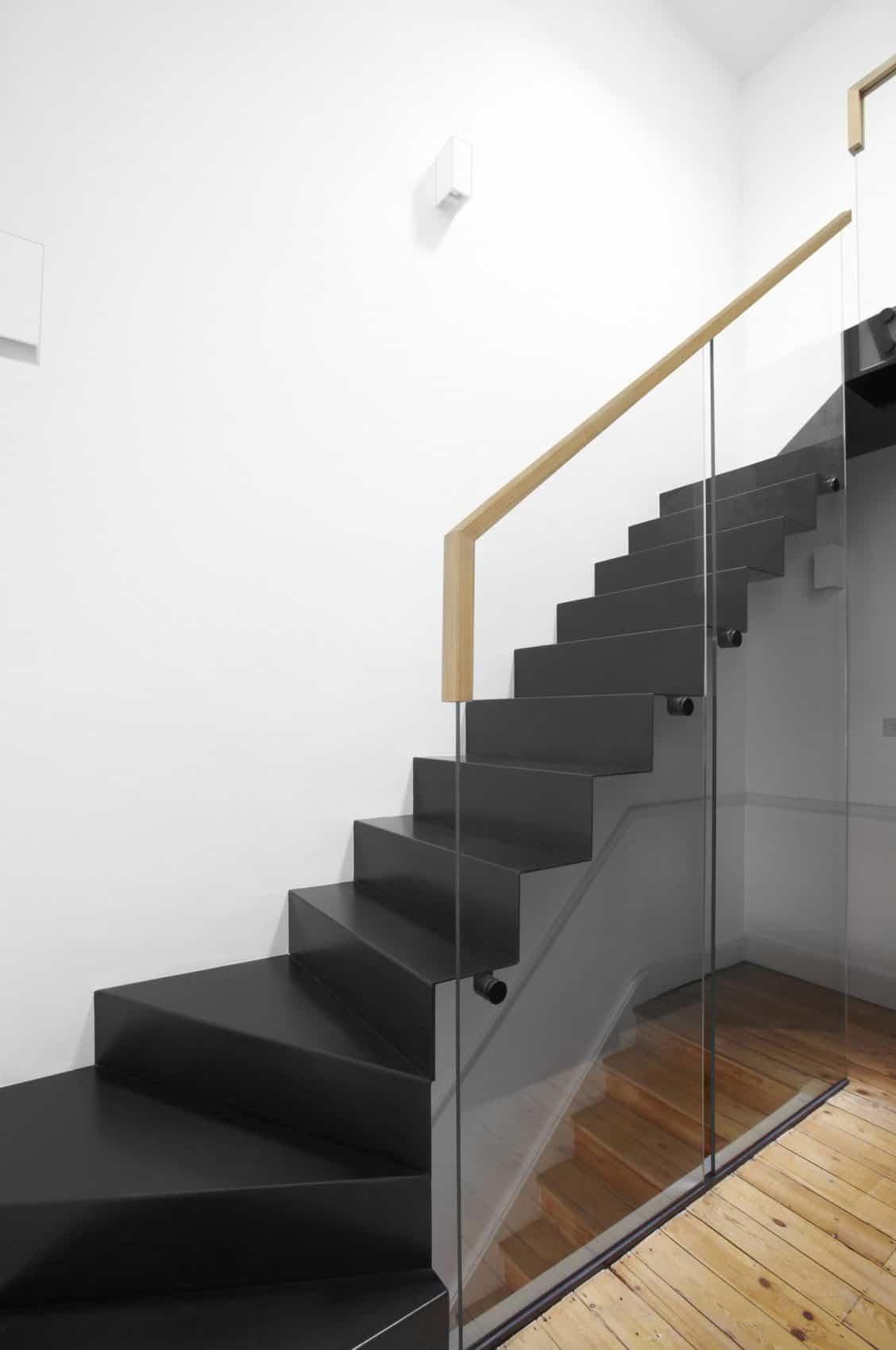 House in Black by draisci studio (11)