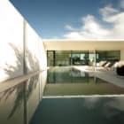 Jesolo Lido Pool Villa by JM Architecture (1)