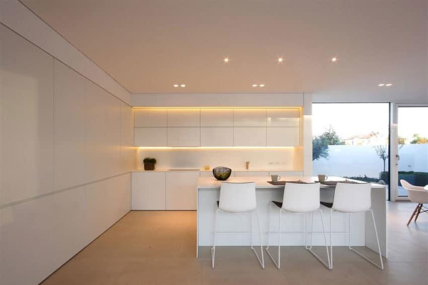 Jesolo Lido Pool Villa by JM Architecture (10)