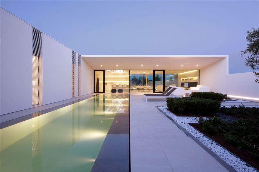 Jesolo Lido Pool Villa by JM Architecture (19)
